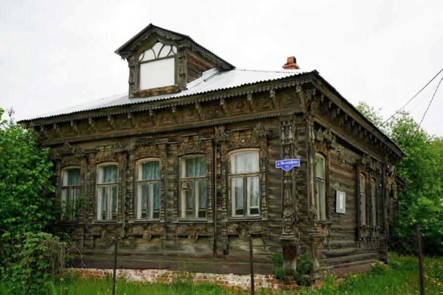 Деревянный шедевр архитектуры в Белавино