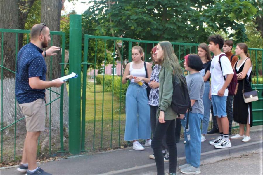 Экскурсию для молодежи провели в рамках турмаршрута «Путем Победы»