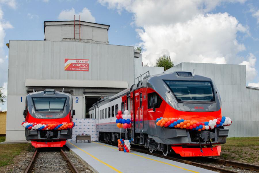 Два новых электропоезда из ДМЗ отправили в Армению