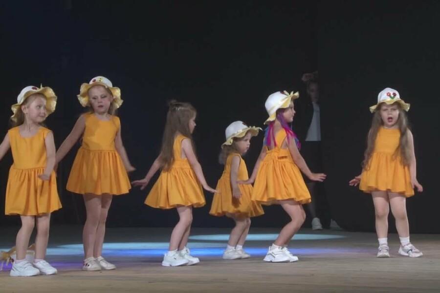На сцене ДК Текстильщиков прошел отчетный концерт школы танца «BLAZE»