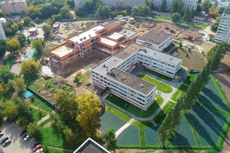 На улице Володарского растет школьный городок