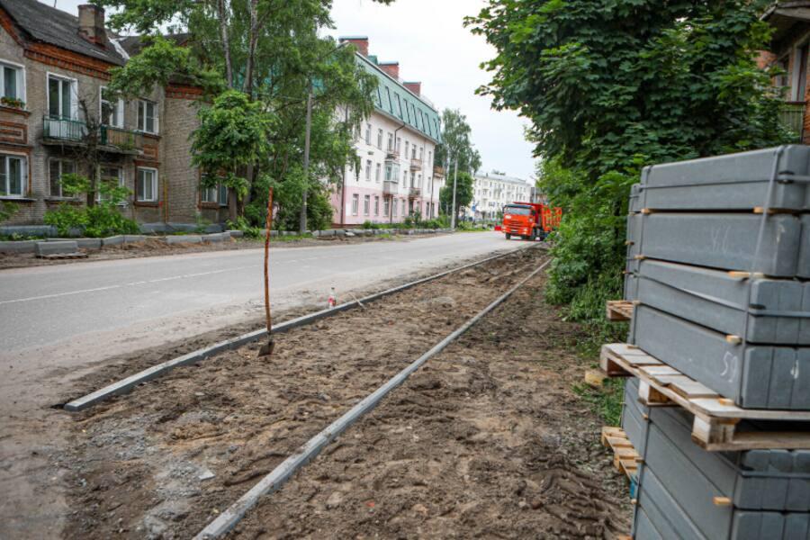 Начато обустройство пешеходной зоны на улице Челюскинцев