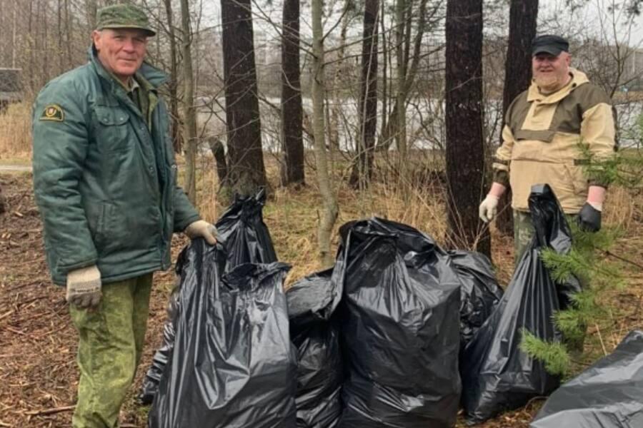 Орехово-зуевские лесничие собрали более 40 кубометров мусора