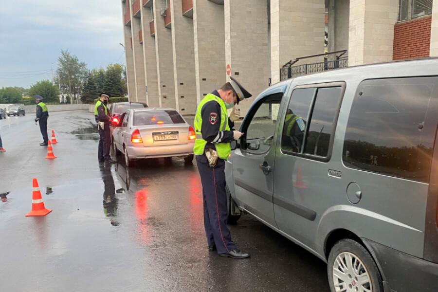 Более 300 водителей округа проверили в ходе рейдов