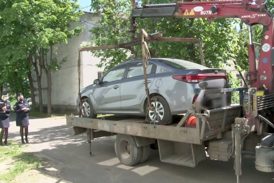 У жителя Орехово-Зуево арестовали автомобиль за долги по ЖКХ