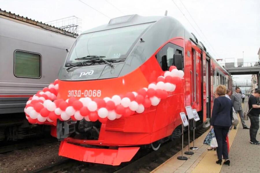 ДМЗ поставил новый электропоезд в Приморский край