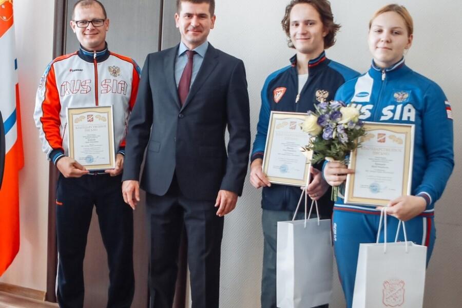 Гребцов ДС «Молодежный» поблагодарили за победу на чемпионате России