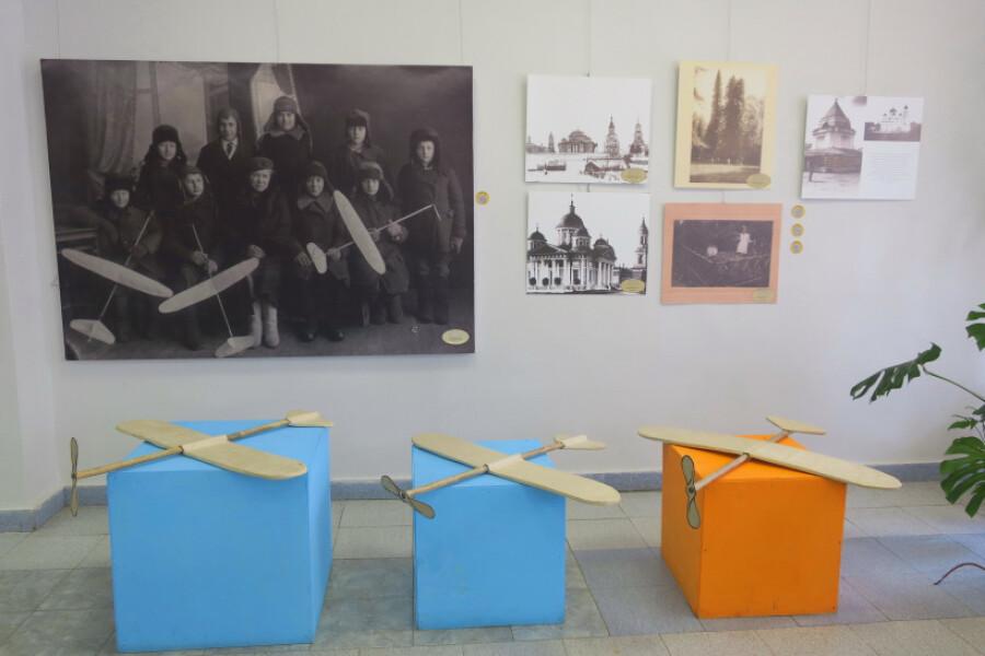 Прогулка по выставке «В фокусе Добрынина: история в фотографиях»