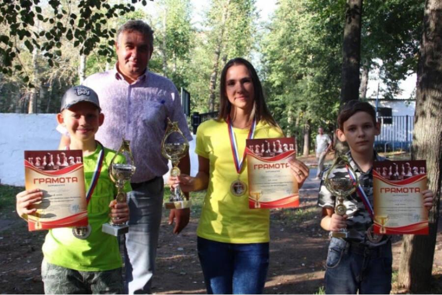 Победа Александры Добрыниной в блиц-турнире по шахматам в Воскресенске